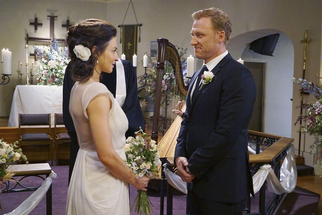 Geben sich das Ja-Wort: Amelia (Caterina Scorsone, l.) und Owen (Kevin McKidd, r.) ... - Bildquelle: Byron Cohen ABC Studios