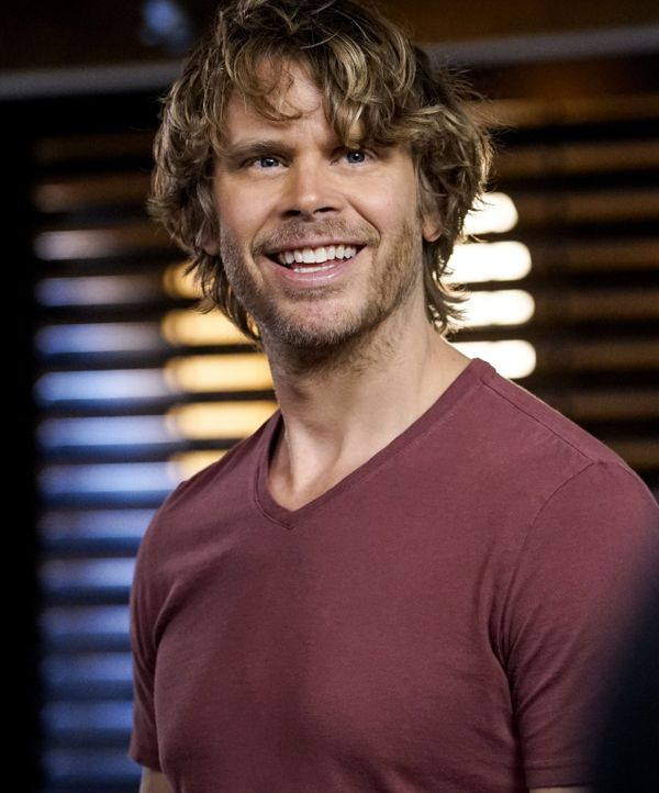 Deeks (Eric Christian Olsen) und seine Kollegen ermitteln im Fall des Verschwindens von Lieutenant Commander Jennifer Morgan, die gegen ausländische... - Bildquelle: Cliff Lipson 2016 CBS Broadcasting, Inc. All Rights Reserved.