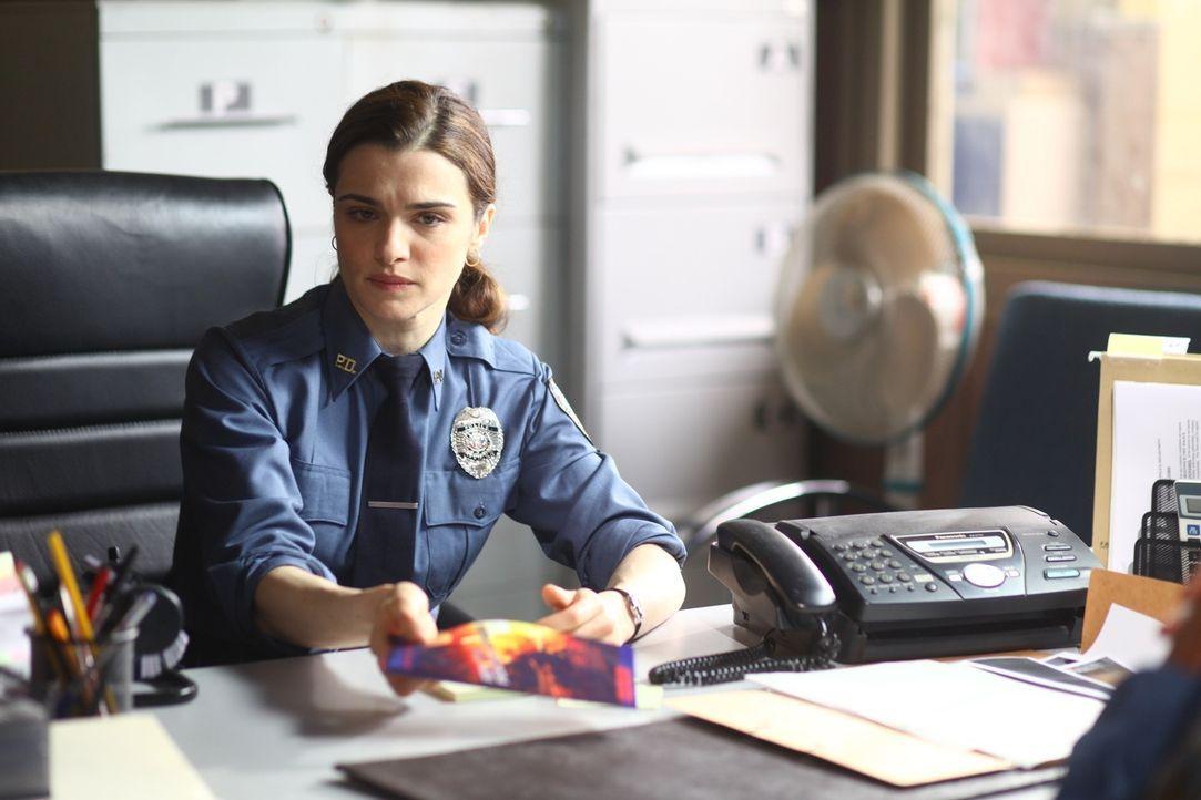 Als Kathryn (Rachel Weisz) mit einer E-Mail versucht, die UN-Führung auf die Menschenrechtsverletzungen hinzuweisen, wird ihr untersagt, ihr Büro je... - Bildquelle: 2010 Whistleblower (Gen One) Canada Inc. and Barry Films GmbH