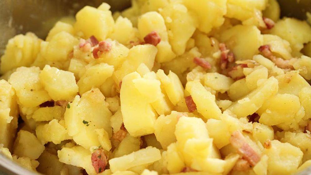 Kartoffelsalat mit Essig-Öl-Dressing - Bildquelle: © maho/fotolia