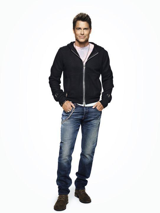 """(1. Staffel) - Seine langlebige Serie """"The Grinder"""" wird abgesetzt und Dean Sanderson (Rob Lowe) macht sich auf den Weg in seine Heimatstadt Boise u... - Bildquelle: 2015-2016 Fox and its related entities.  All rights reserved."""