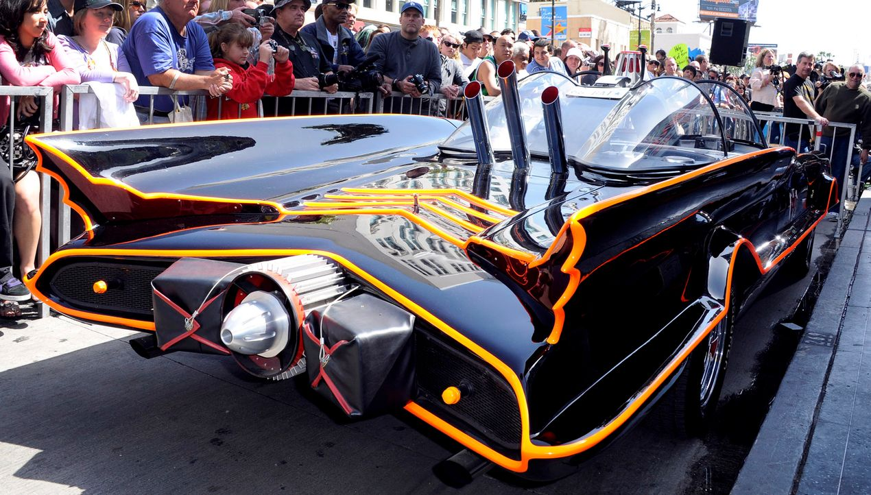 Batmobil-1966-Fernsehserie-2-dpa - Bildquelle: dpa
