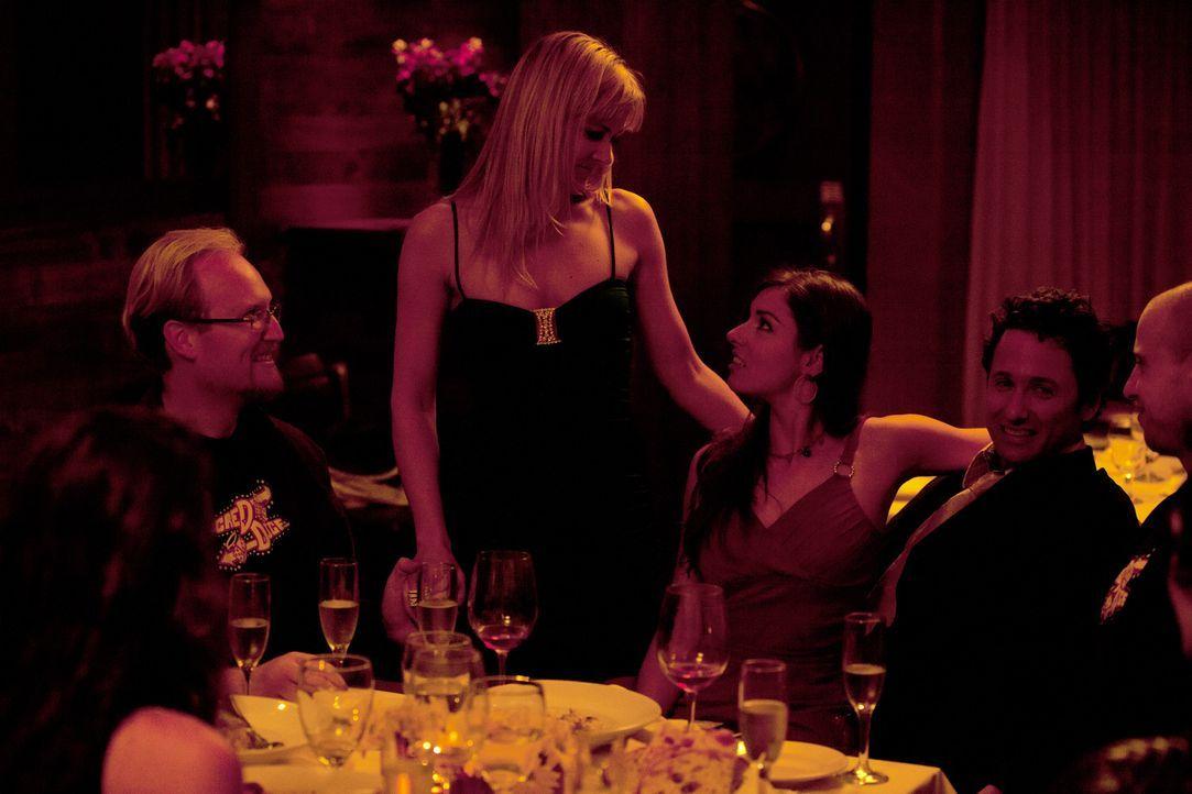 Wie werden Lindsey (M.) und Anthony (2.v.r.) auf Vanessas (2.v.l.) Vorschlag reagieren? - Bildquelle: Lucas North Showtime Networks Inc. All rights reserved.
