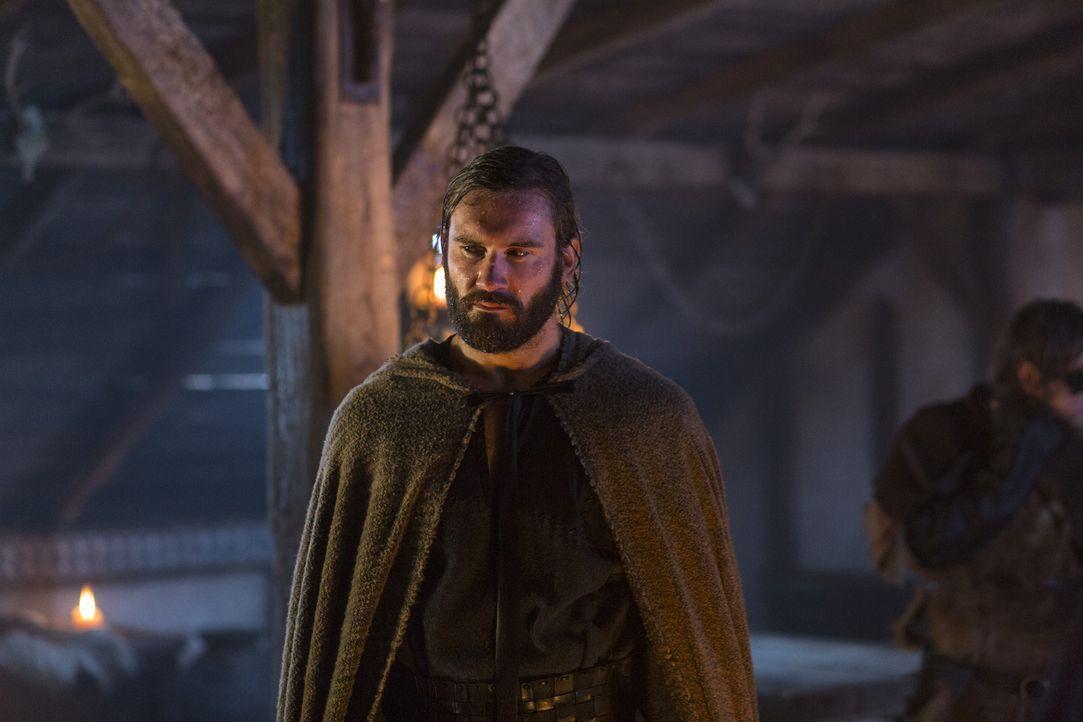 Lässt sich dazu breitschlagen, gegen König Horik und damit auch gegen seinen Bruder Ragnar an der Seite des Earls Borg zu kämpfen: Rollo (Clive Stan... - Bildquelle: 2013 TM TELEVISION PRODUCTIONS LIMITED/T5 VIKINGS PRODUCTIONS INC. ALL RIGHTS RESERVED.