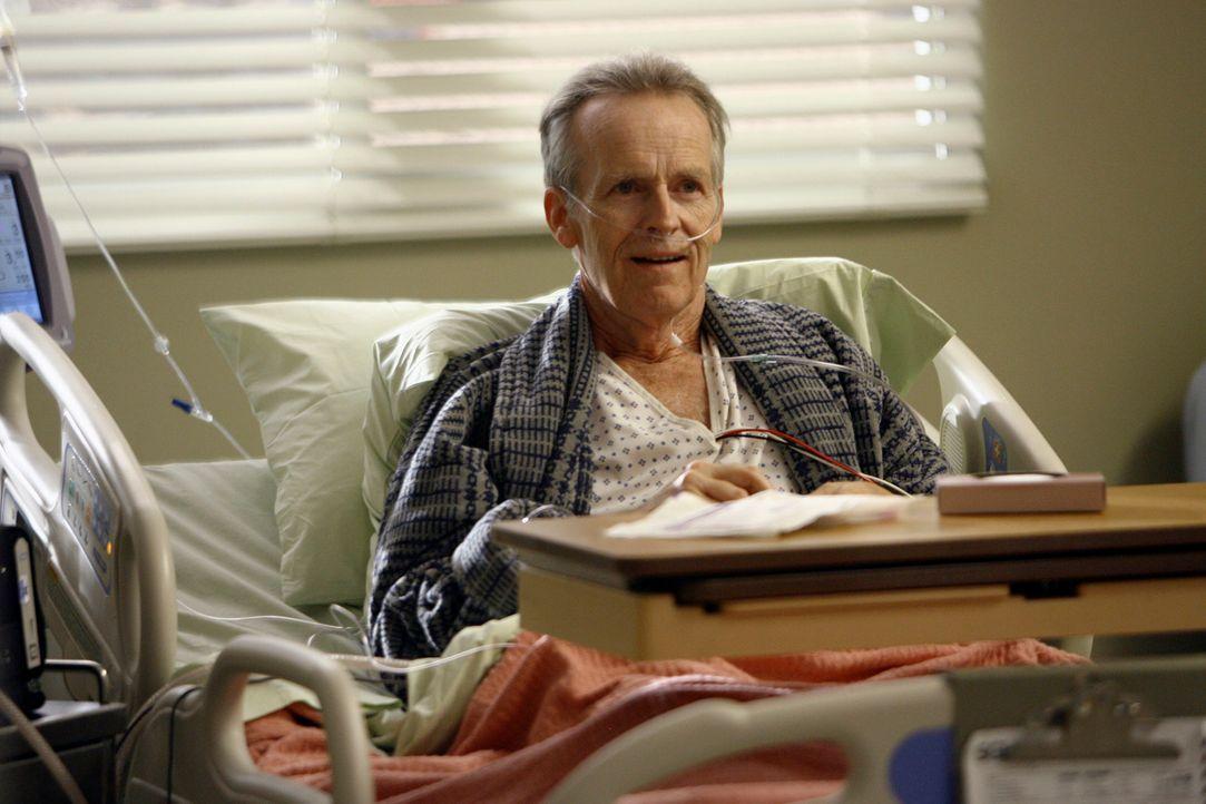 Erfährt, dass seine Tochter hirntot ist: Jack Shandley (David Clennon) ... - Bildquelle: Touchstone Television
