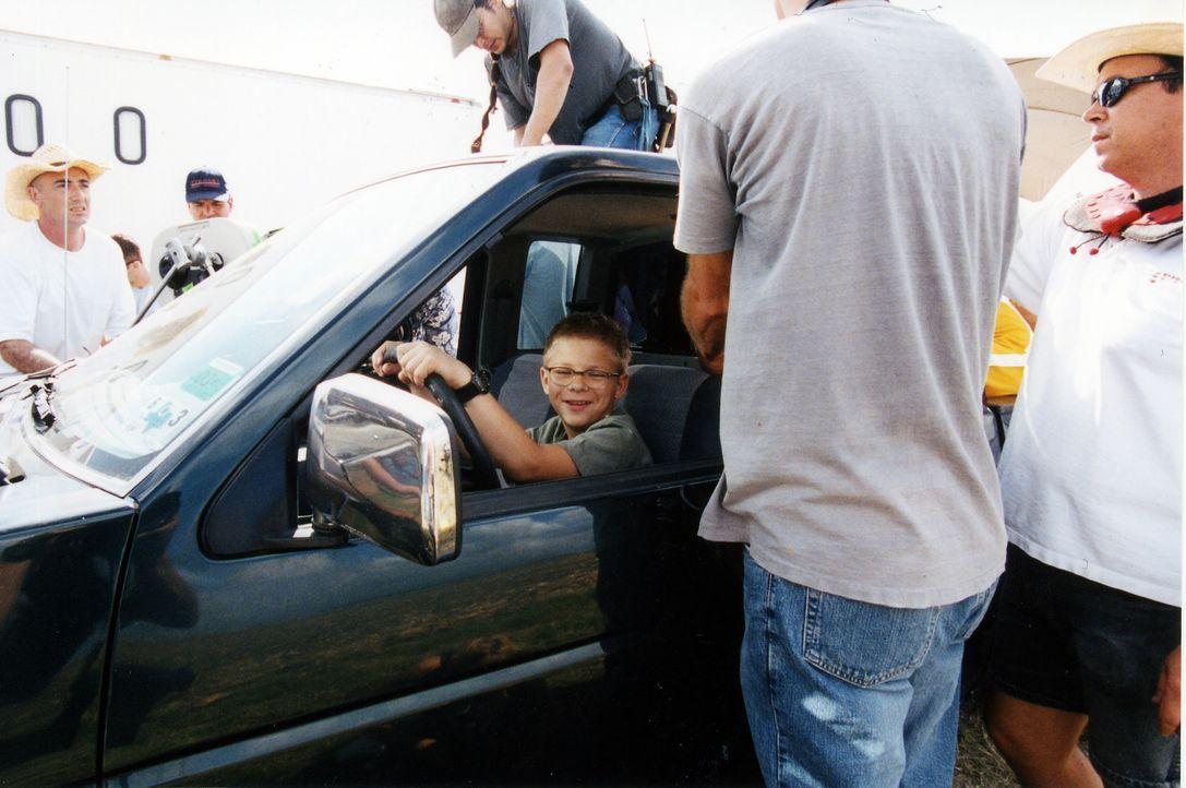 """Jonathan Lipnicki hat sichtlich Spaß bei den Dreharbeiten zu """"Zachery Beaver - Mein dickster Freund"""". - Bildquelle: Echo Bridge Entertainment LLC"""