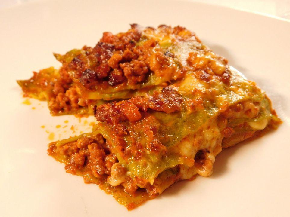 Dirk Hoffmann begibt sich auf Weltreise, um die Lieblingsgerichte der Deutschen zu finden. In Italien versucht er sich als Lasagne-Koch ... - Bildquelle: kabel eins