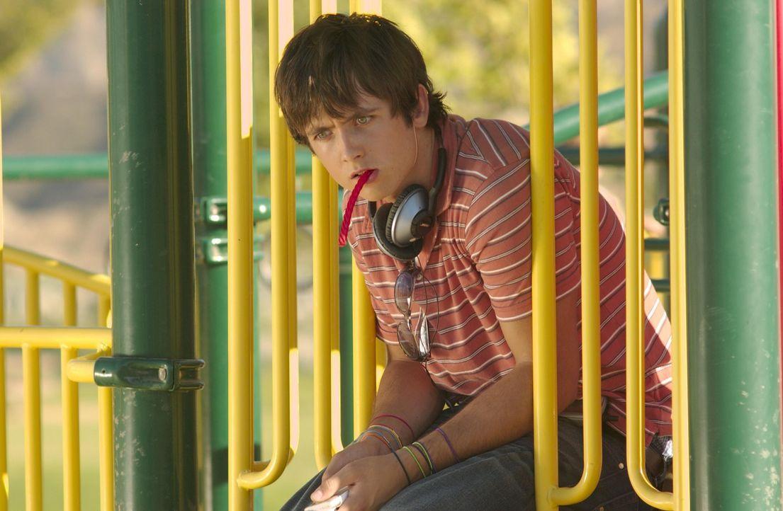 Josh (Justin Chatwin) hat ein Geheimnis, doch Nancy kommt ihm hinter die Schliche ... - Bildquelle: Lions Gate Televison