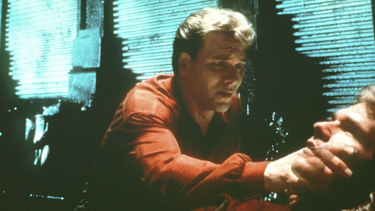 """Patrick Swayze in """"Ghost - Nachricht von Sam"""" (1990) - Bildquelle: Kabeleins"""