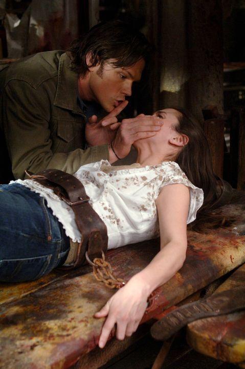 Doc Benton hat eine Formel für ewiges Leben gefunden hat: menschliche Körperteile sammeln. Sam (Jared Padalecki, l.) versucht, eine junge Frau aus... - Bildquelle: Warner Bros. Television