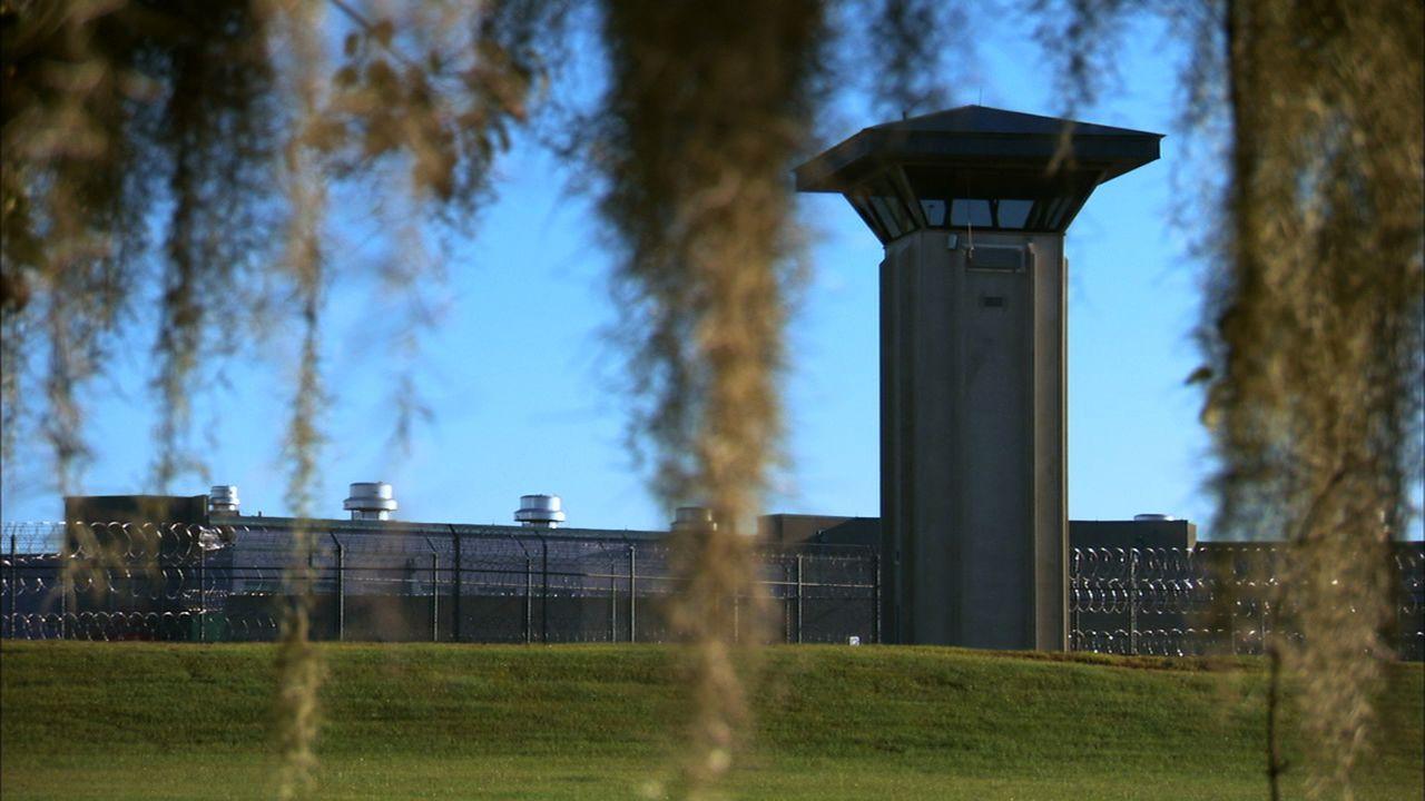 Die meisten Insassen des Smith State Gefängnisses gehören zu den Straftätern, die am schwersten unter Kontrolle zu halten sind ...