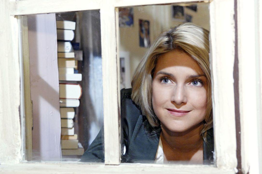 Anna (Jeanette Biedermann) freut sich, dass sie es geschafft hat, ihren Auftrag zu erfüllen ... - Bildquelle: Claudius Pflug Sat.1