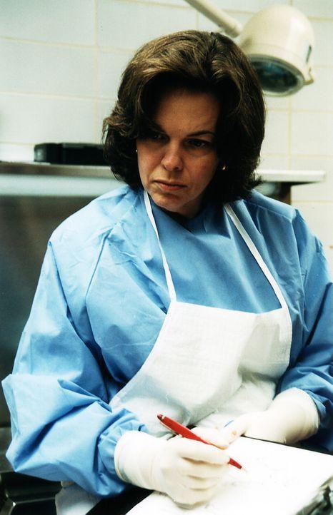 """In """"Dr. G - Beruf: Gerichtsmedizinerin"""" gibt eine der führenden Pathologinnen Amerikas, Dr. Jan Garavaglia, einen Einblick in ihre Arbeit und erklär... - Bildquelle: MMXI ATLAS MEDIA CORPORATION"""