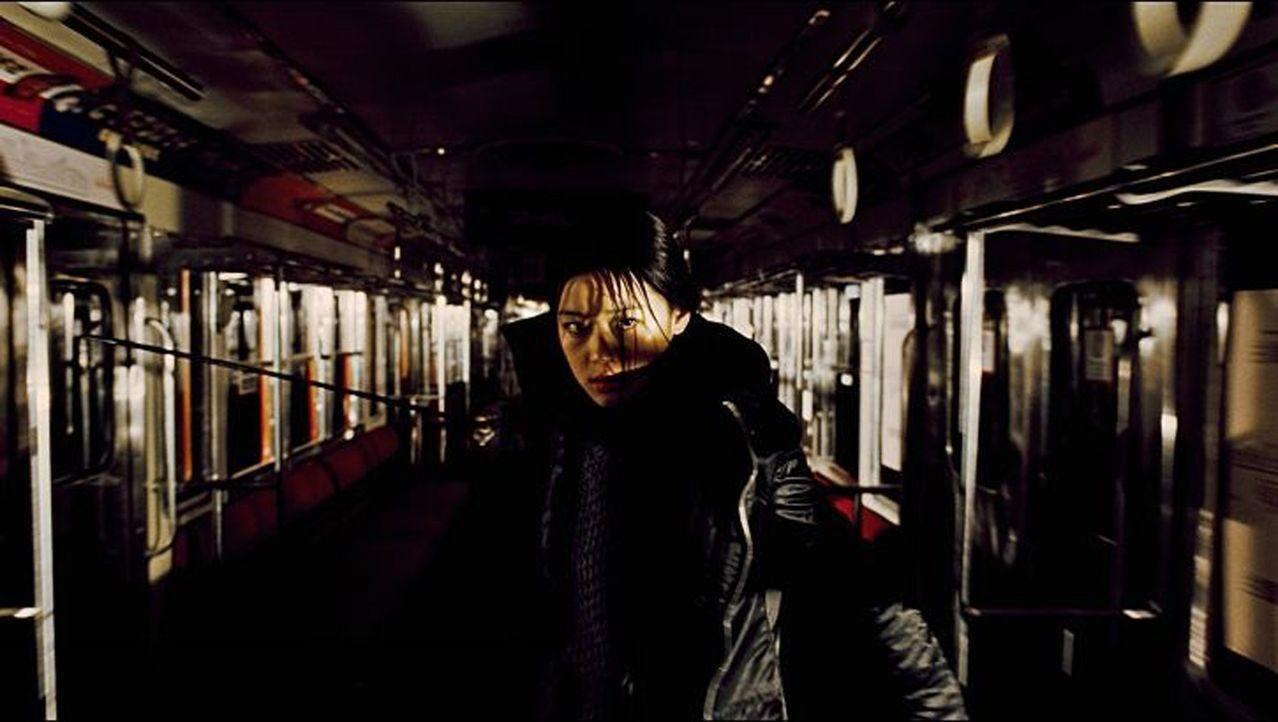 Macht sich auf, die Vampire und Dämonen das Fürchten zu lehren: Saya (Gianna Jun) ...