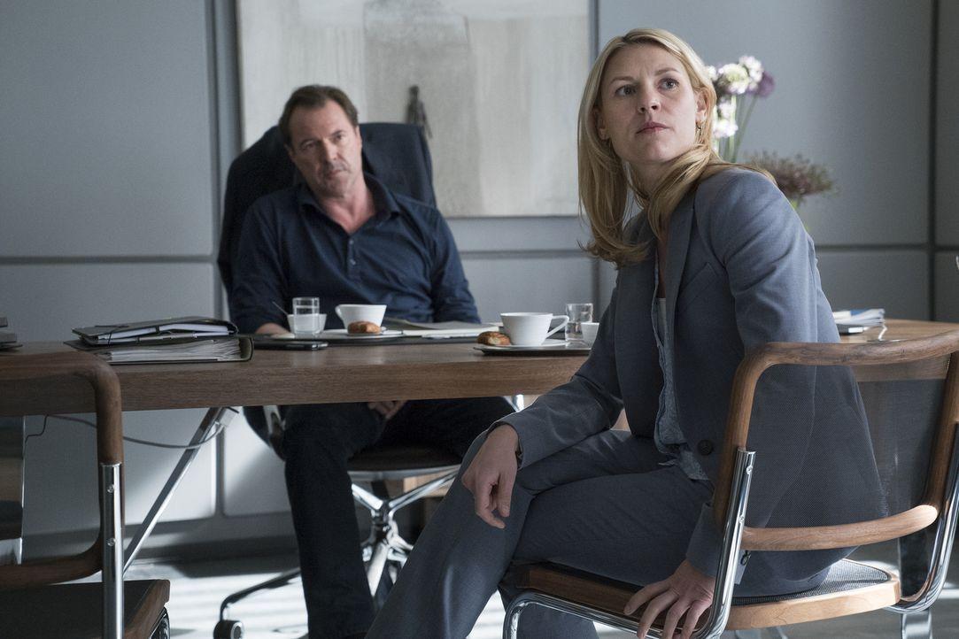 Carrie (Claire Danes, r.) hat nach den Ereignissen in Islamabad die CIA hinter sich gelassen und sich in Berlin ein neues Leben aufgebaut. Als ihr C... - Bildquelle: Stephan Rabold 2015 Showtime Networks, Inc., a CBS Company. All rights reserved.