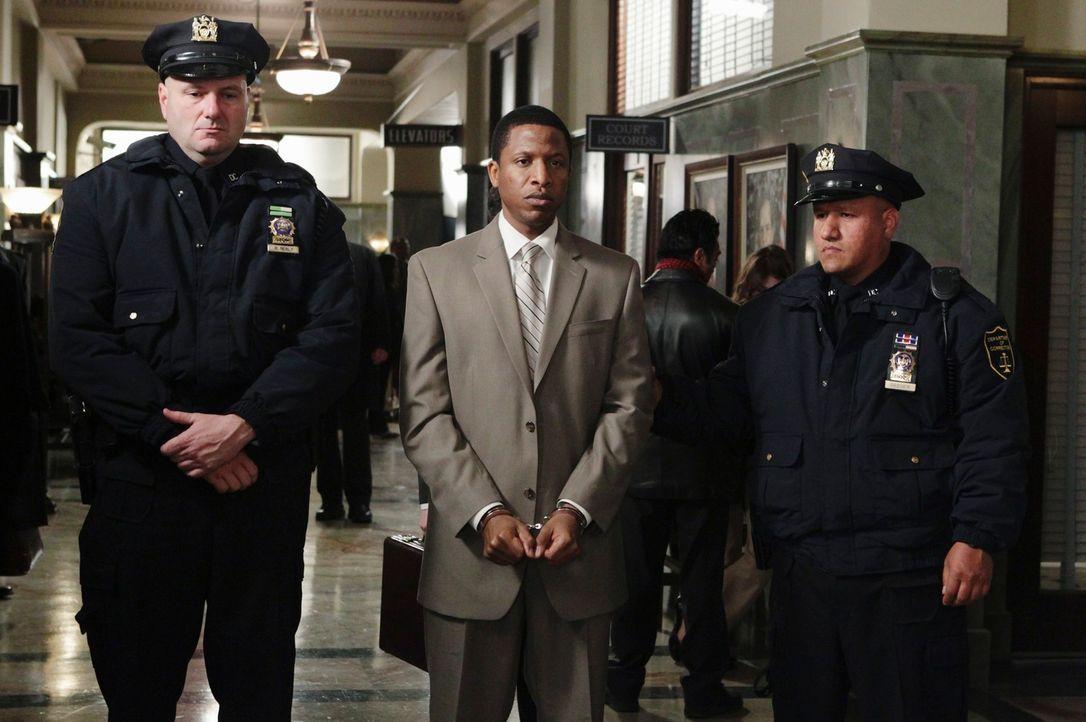 Otis Williams (Ray Stoney, M.) hat jede Menge Dreck am Stecken. Doch ist er wirklich ein Mörder? - Bildquelle: ABC Studios
