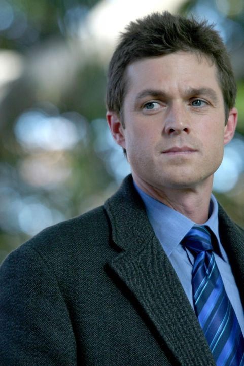 Martin Fitzgerald (Eric Close) will einen neuen Fall lösen ... - Bildquelle: Warner Bros. Entertainment Inc.