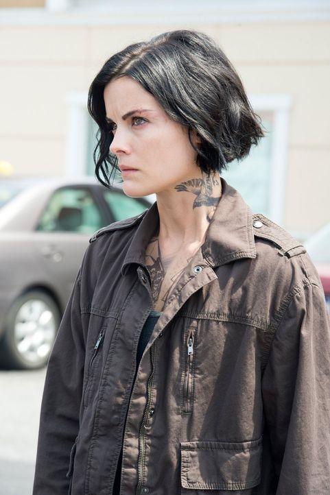Möchte nichts lieber als Hinweise auf ihre Identität zu finden: Jane (Jaimie Alexander) ... - Bildquelle: Warner Brothers