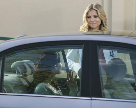 Elliott (Sarah Chalke, r.) ist entsetzt: Ihre Freundin und Patientin Shannon...
