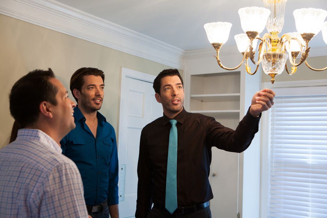 (v.l.n.r.) Jonathan Scott, Drew Scott - Bildquelle: Jessica McGowan 2014, HGTV/Scripps Networks, LLC.  All Rights Reserved/Jessica McGowan/Getty Images