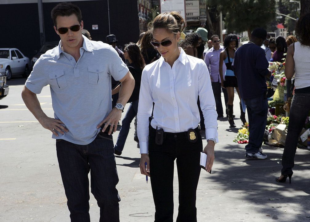 Ein neuer Fall beschäftigt Colby Granger (Dylan Bruno, l.) und Liz Warner (Aya Sumika, r.) ... - Bildquelle: Paramount Network Television