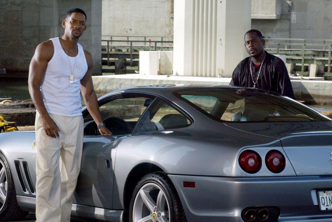 Sorgen in Miami für Recht und Ordnung: Mike Lowry (Will Smith, l.) und Marcus Burnett (Martin Lawrence, r.) ... - Bildquelle: 2004 Sony Pictures Television International. All Rights reserved.