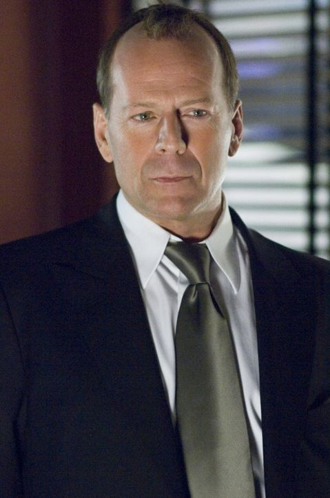 Überzeugt  davon, dass Harrison Hill (Bruce Willis) der Mörder ihrer Freundin ist, heftet sich die Journalistin Rowena Price an seine Fersen und s... - Bildquelle: Copyright   2007 Revolution Studios Distribution Company, LLC. All Rights Reserved.