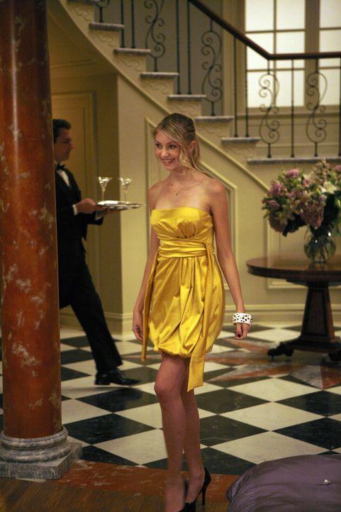 Jenny (Taylor Momsen) freut sich auf die Party bei Blair. Dort wird sie jedoch nicht nur zum Alkohol verführt ... - Bildquelle: Warner Brothers