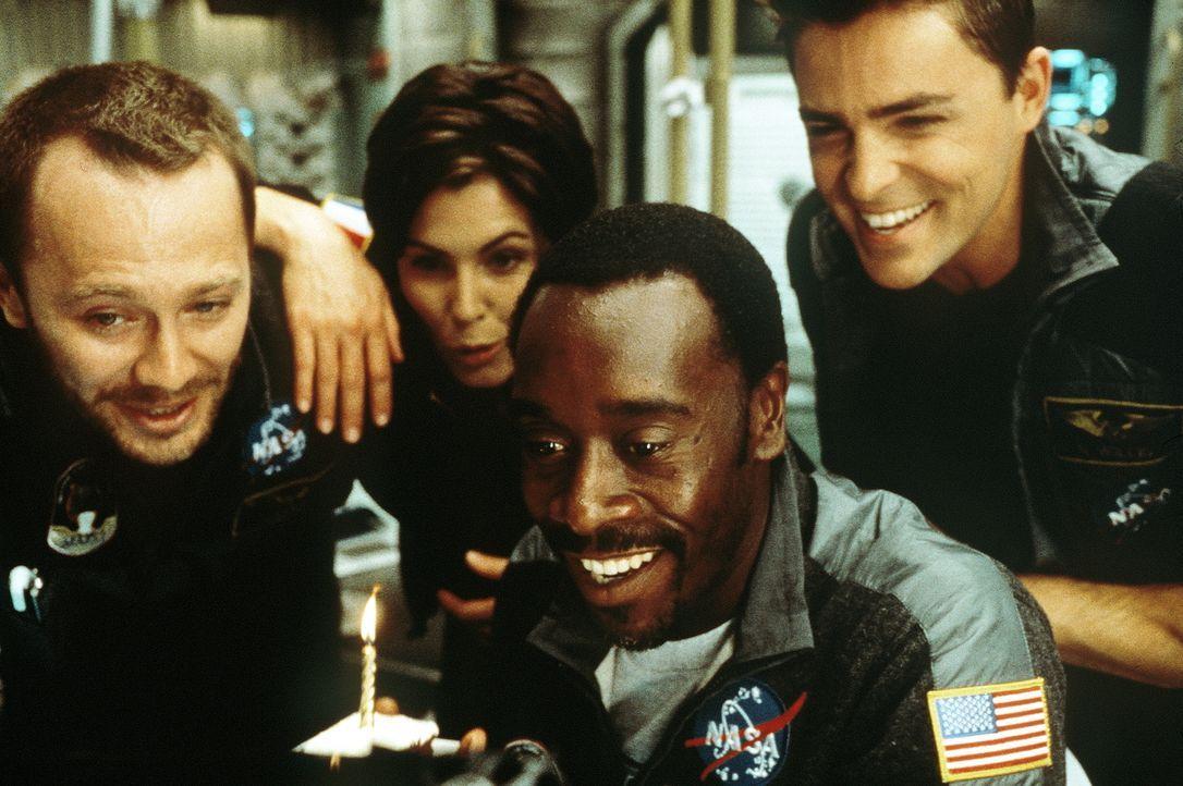Voller Selbstvertrauen startet im Jahr 2020 eine Expedition zum Mars. Jedoch kaum auf dem Mars gelandet, stößt die Crew um Kommandeur Luke Graham (D... - Bildquelle: Touchstone Pictures
