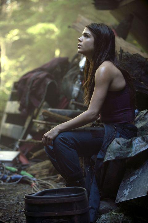 Leben und Tod liegen dicht beieinander, das erlebt auch Octavia (Marie Avgeropoulos) hautnah ... - Bildquelle: Warner Brothers