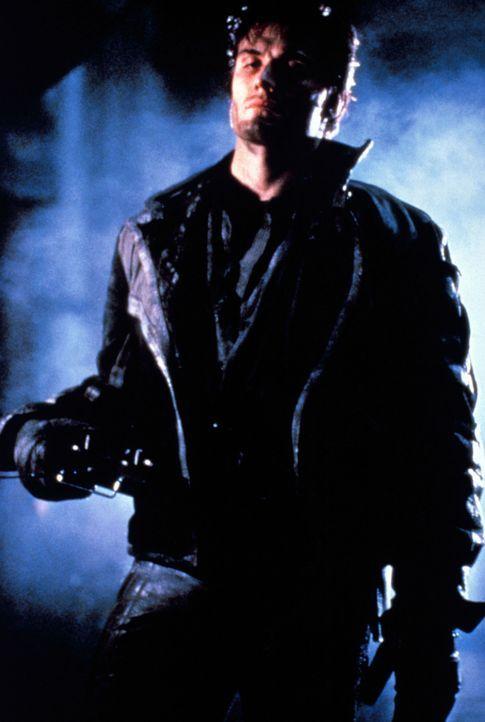 Nach dem Mord an seiner Familie führt der Ex-Polizist Frank Castle (Dolph Lundgren) einen blutigen Kampf gegen das moderne Verbrechen. Eines Tages e... - Bildquelle: 1989 New World Pictures (Australia), Ltd.