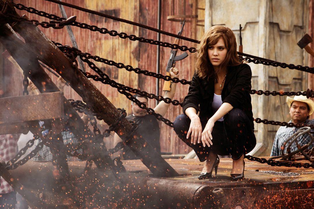 Muss sich entscheiden, ob sie sich an die Gesetze hält oder das Richtige machen möchte: Sartana (Jessica Alba) ... - Bildquelle: 2010 Machete's Chop Shop, Inc. All Rights Reserved.