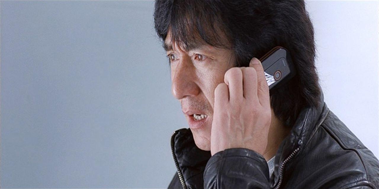 Wing (Jackie Chan) ist ein höchst angesehener Inspektor der Hongkonger Polizei. Eine lebende Legende, der Beste der Besten. Sein neuester Fall: Eine... - Bildquelle: E.M.S.