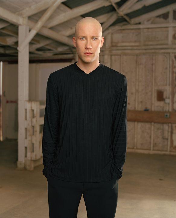 (1. Staffel) - Sein Vater Lionel Luthor brachte Lex (Michael Rosenbaum) bei, niemals Entscheidungen aus emotionalen Beweggründen zu fällen und stets... - Bildquelle: Warner Bros.