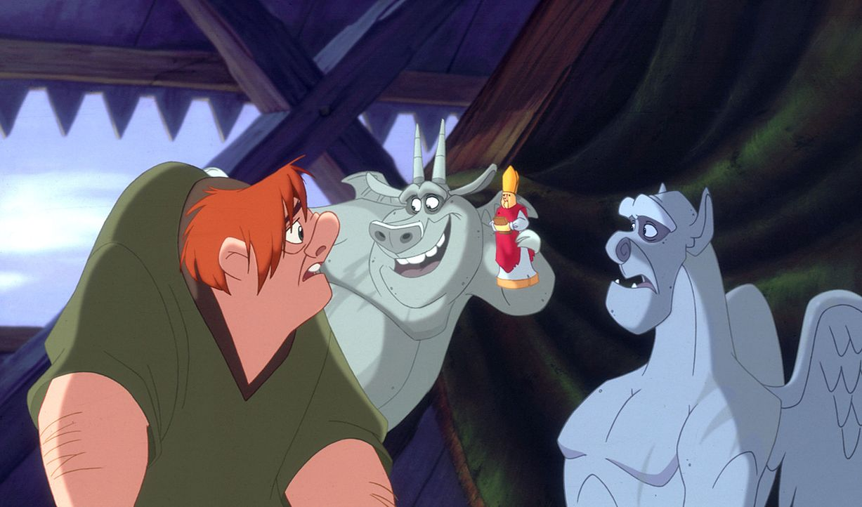 Seit 20 Jahren lebt Quasimodo im Glockenturm der Kathrdrale Notre Dame. Außer seinen Freunden, den Chimären, und dem bösartigen Richter Frollo sieht... - Bildquelle: The Walt Disney Company