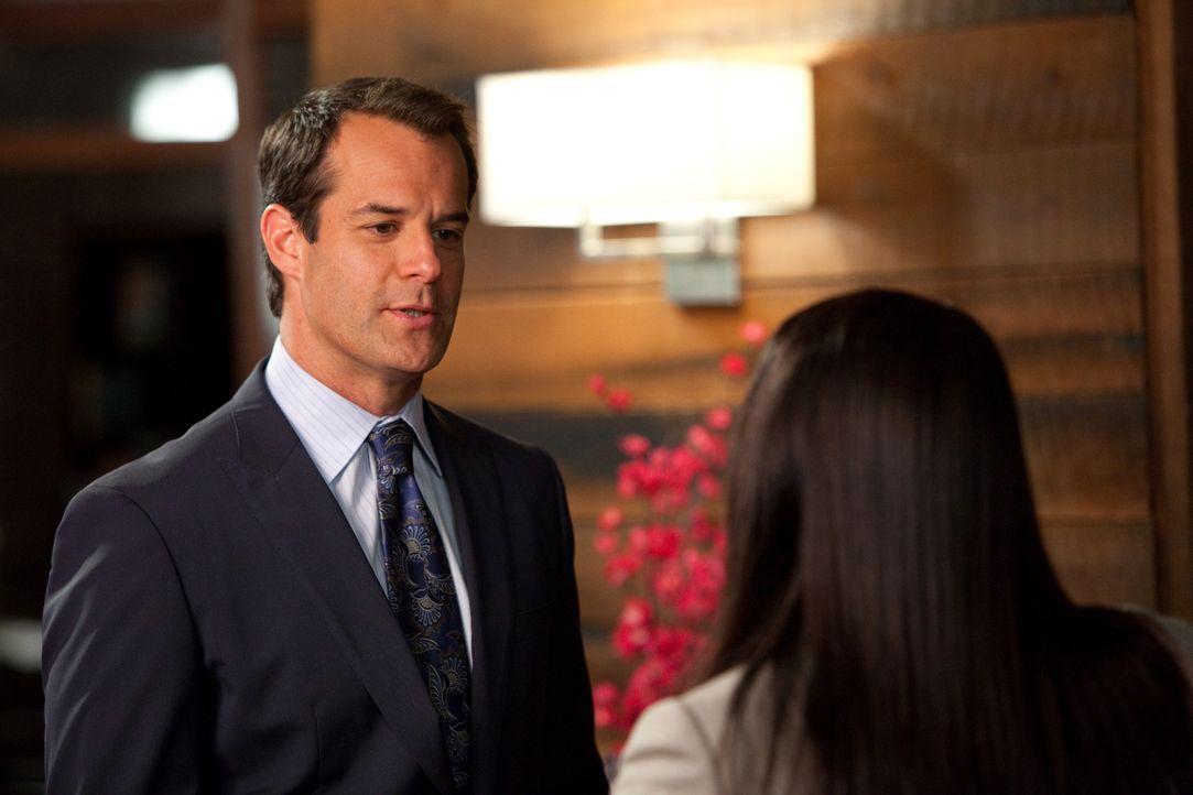 Jay (Josh Stamberg, l.) hat eine ganz besondere Aufgabe für Jane (Brooke Elliott, r.) ... - Bildquelle: 2009 Sony Pictures Television Inc. All Rights Reserved.