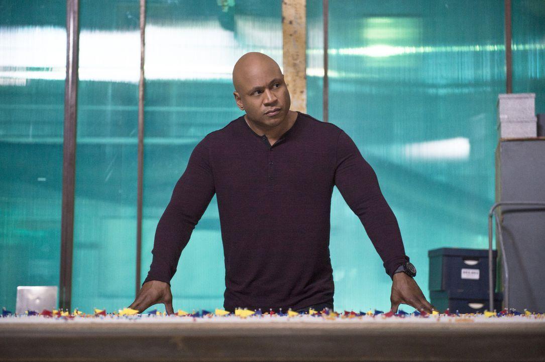 Muss einen neuen Fall lösen: Sam (LL Cool J) ... - Bildquelle: CBS Studios Inc. All Rights Reserved.