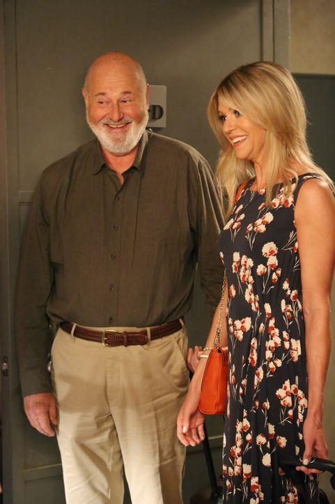 New Girl Staffel 4: Kaitlin Olson und Rob Reiner - Bildquelle: Fox Broadcasting Company