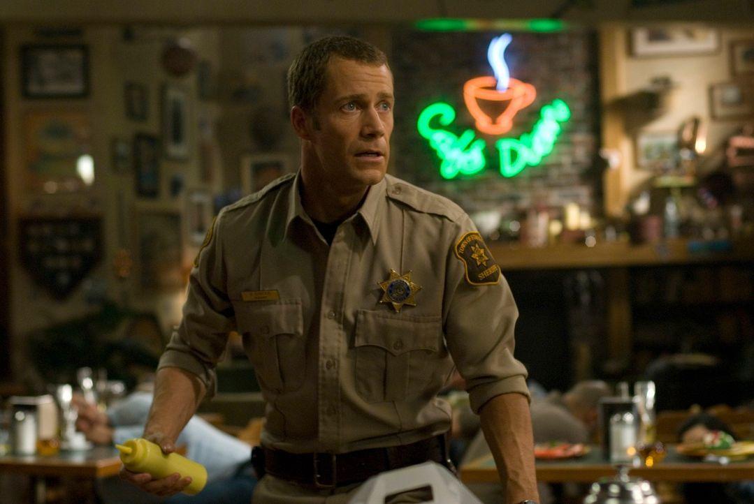 Carter (Colin Ferguson) kann sich nicht daran gewöhnen, dass seine Tochter langsam erwachsen wird ... - Bildquelle: Universal Television