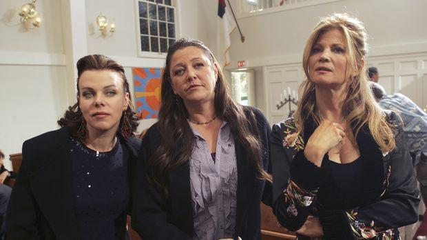 Josie (Debi Mazar, l.), Delia (Camryn Manheim, M.) und Diana (Markie Post, r....