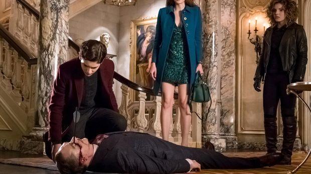 Ivy Pepper (Maggie Geha, M.), Bruce (David Mazouz, l.) und Selina (Camren Bic...