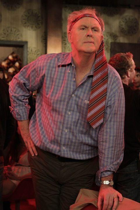 Macht mit seinem Sohn Barney einen drauf: Jerry (John Lithgow) ... - Bildquelle: 20th Century Fox International Television