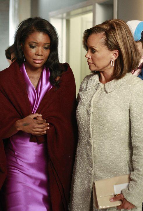 Zwei unterschiedliche Schwestern: Wilhelmina (Vanessa Williams, r.) und Renee (Gabrielle Union, l.) ... - Bildquelle: Buena Vista International Television