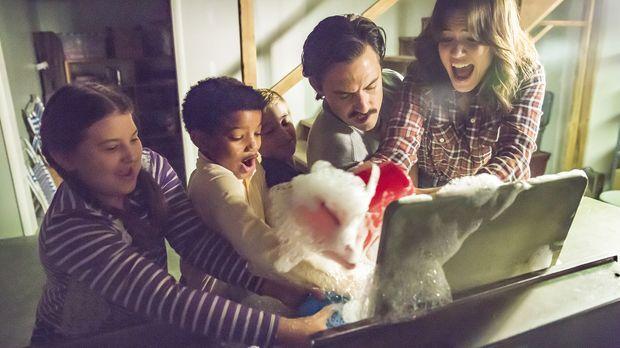 Müssen sich mit Problemen innerhalb der Familie herumschlagen: Rebecca (Mandy...