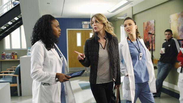 Während Meredith (Ellen Pompeo, M.) die Thanksgiving-Festivitäten bei sich zu...