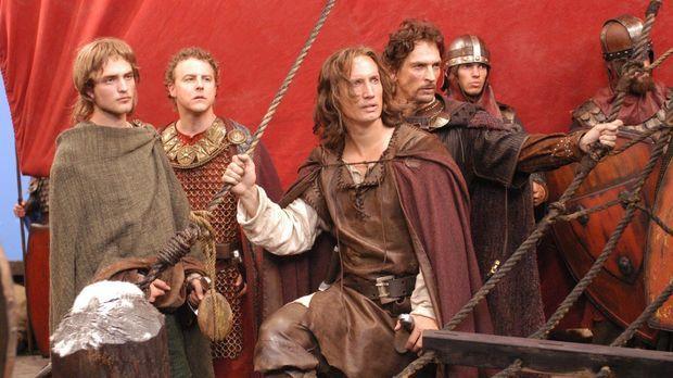 Gemeinsam machen sich die Freunde (v.l.n.r.: Robert Pattinson, Samuel West, B...