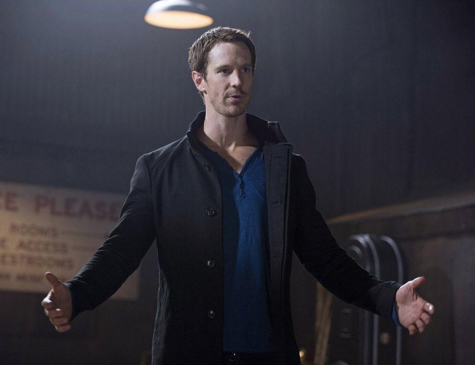 Was lockt Killian McCrane (Jason Dohring) aus seinem jahrelangen Versteck? - Bildquelle: Warner Bros. Entertainment, Inc