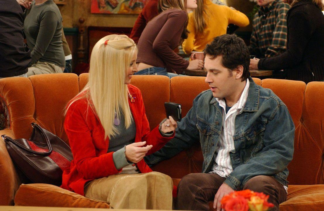 Phoebe (Lisa Kudrow, l.) und Mike (Paul Rudd, r.) überdenken die Planungen für ihren Hochzeitstag: Man sollte lieber billig heiraten und das Geld sp... - Bildquelle: 2003 Warner Brothers International Television