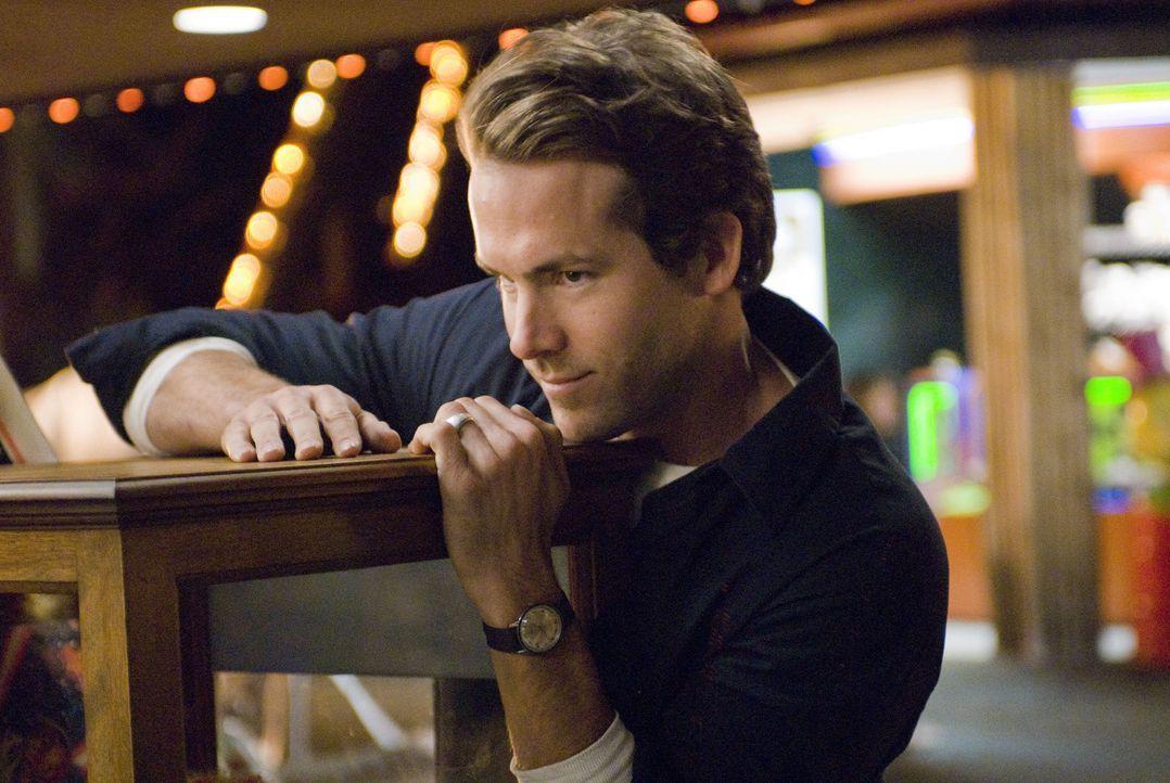 Noch ahnt James nicht, dass der ältere Mike (Ryan Reynolds) ein Verhältnis mit seiner Em hat ... - Bildquelle: Miramax Films. All rights reserved