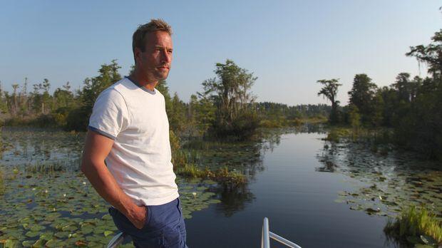 Ben Fogle ist gespannt darauf, wie ein Mann mitten im Sumpf, abgeschnitten vo...